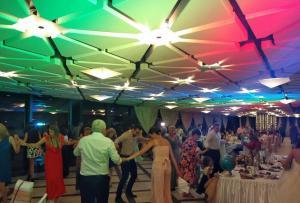 Осветление сватба